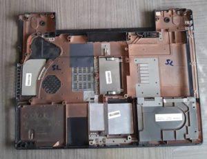 Carter Dessous Pc TOSHIBA SATELLITE M40-331 Model PSM42E-01T00TFR